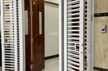 Nhà ngõ 279 Hoàng Mai. MB 33m2 * 5 tầng mới, xe tải đỗ cổng, SĐCC