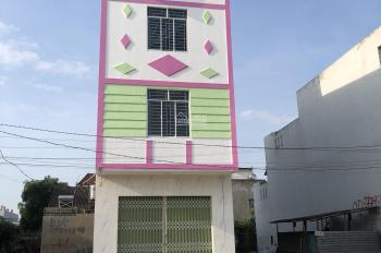 Tôi chính chủ cần bán nhà ngay đường D1 - giá tốt cho người thiện chí mua. Liên hệ 0945551828
