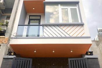 Cần bán gấp nhà 1 trệt 2 lầu, đường Lò Lu, liền kề khu Công Nghệ Cao Q9, SHR hoàn công
