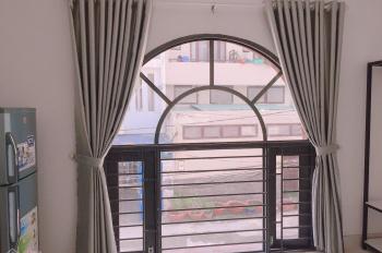 Phòng đủ tiện nghi đường Dương Quảng Hàm, giờ tự do, có thang máy. Đường ô tô, nha mới thoáng mát