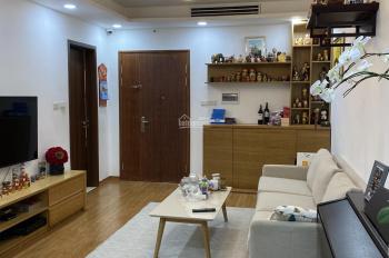 Bán căn hộ 60m2, 2PN chung cư Center Point Lê Văn Lương, căn số 05 giá 2. x tỷ, LH 0984250719