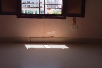Chính chủ cho thuê phòng đẹp 24m2 giá 2 triệu/th. Phòng trên ngôi nhà 5 tầng đẹp