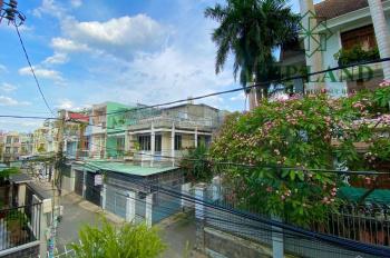 Bán nhà gần cổng 2 Biên Hòa, góc 2 mặt tiền sổ riêng, 0976711267 - 0934855593 (Thư)