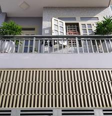 Bán gấp căn nhà phố cao cấp 4 tầng, ngay trường tiểu học Tam Bình, Gò Dưa, giá 5.5 tỷ