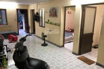 Cho thuê căn hộ 2PN, 70m2, phố Lạc Trung, giá 5tr/tháng, LH: 0946913368
