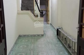 Cho thuê nhà riêng 5 tầng, 4 PN, ngõ rộng phố Trần Khát Chân