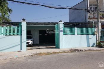 Chính chủ bán xưởng DT: 10x30m đã hoàn công, mặt tiền nhựa 10m, cách Nguyễn Văn Bứa 300m, giá 6tỷ1