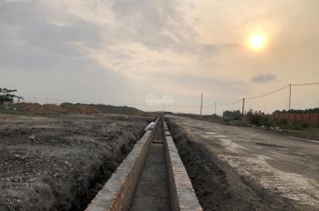 Bán cắt lỗ đất LK trục 42m - Emerald Bay