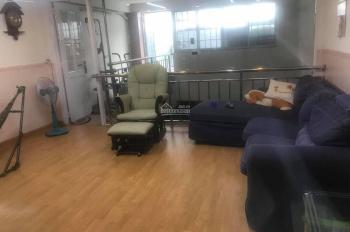 Cho thuê cả tầng 1 nhà mặt tiền đường Hoàng Văn Thụ Q. Tân Bình. DTSD 80m2 2 phòng giá 12Tr