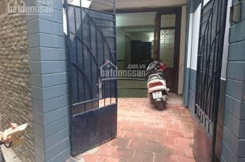 Cho thuê nhà riêng ngõ 512 Hoàng Hoa Thám, diện tích 60m2 x 3 tầng, ngõ ô tô tải đỗ cửa