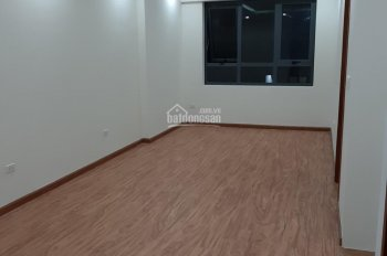 Gia đình cần bán căn hộ 70m2 tầng 08 chung cư 43 Phạm Văn Đồng nội thất cơ bản giá 1.9 tỷ