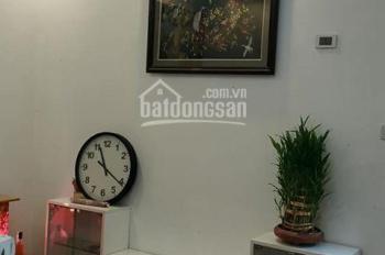 Chính chủ bán căn hộ 60m 2PN có nội thất, giá 940 triệu toà CT12 Kim Văn Kim Lũ