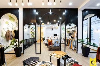 Cho thuê shop 8x20m, 2 lầu giá 150tr ngay Phan Đăng Lưu tiện làm showroom, rẻ!