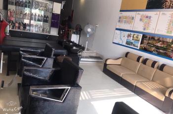 Sang nhượng salon tóc ở Phúc Đồng, Q. Long Biên, DT 35m2 MT 4m 5tr/th
