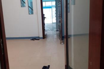 Cho thuê nhà 3 lầu 4*25m MT Nguyễn Văn Quá, P Đông Hưng Thuận Q12, rẻ 25 triệu/tháng