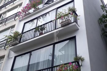 Bán nhà mặt phố Lạc Long Quân xây 5 tầng, ngay Lotte Lạc Long Quân và phố Trịnh, vị trí quá đẹp