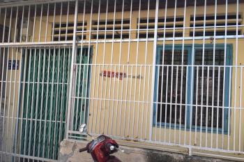 Bán nhà cấp 4, giá 2,6 tỷ, đường Lê Văn Thịnh rẽ vào, Quận 2. LH: 0902126677