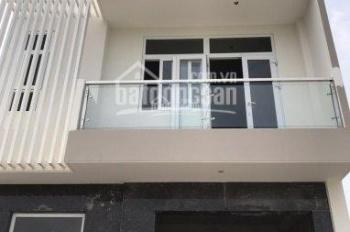 Cho thuê gấp nhà phố Sadeco Phước Kiển giá 18tr/tháng. LH 0938 399 441