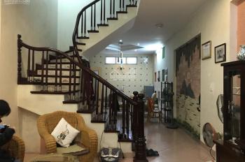 Cho thuê nhà riêng ngõ 106 Hoàng Quốc Việt, Nghĩa Tân, 90m2 x 2 tầng, giá 11 tr/tháng. 0834536699