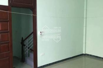 Chính chủ cho công ty hoặc hộ gia đình thuê nhà Lĩnh Nam, 3.5 tầng, 40m2, LH: 0988126382