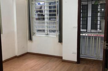 Mới mua biệt thự, bán lại nhà riêng 5 tầng ngõ 155 Cầu Giấy thông ra Dịch Vọng, Thành Thái