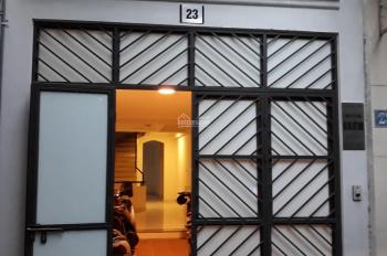 Chính chủ cần cho thuê nhà rộng 50m2 khép kín, có bếp riêng tại số 23 ngõ 1 đường Long biên 2