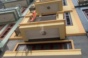 Cho thuê nhà nguyên căn đường Trường Chinh, Thanh Xuân, Hà Nội 45m2*4 tầng, ô tô tải vào nhà