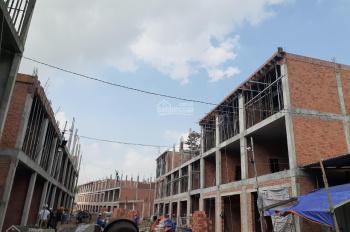 Bán nhà mới xây, dân cư hiện hữu, sát bên chợ Tân Bình, Dĩ An