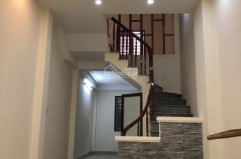 Bán nhà Nguyễn Viết Xuân, nhà đẹp, 2 mặt thoáng, ô tô đỗ cách nhà 5m. LH: 0987286189 - Dung