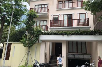 Cho thuê nhà biệt thự Hapulico - Lê Văn Thiêm, DT 200m2, 4 tầng, MT 12m. Giá 70tr/th