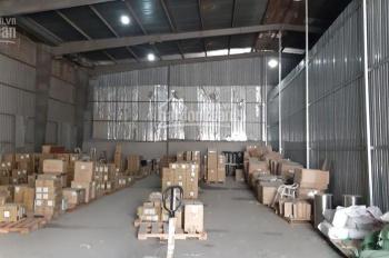 Cho thuê kho xưởng tại quận 7 DT 360m2 - Trần cao 8m lắp kệ được giá rẻ 90.000đ/m2