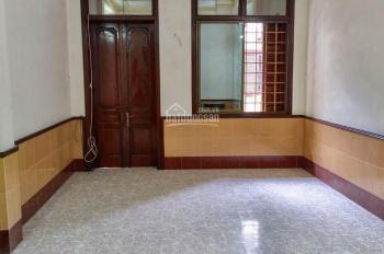 Cho thuê nhà riêng Hào Nam, 5 tầng, ngõ rộng oto đỗ