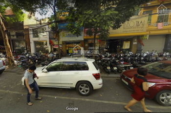 Cho thuê nhà mặt phố Hàng Bè, Hoàn Kiếm, DT 60m2 x 2 tầng, LH: 0922226138