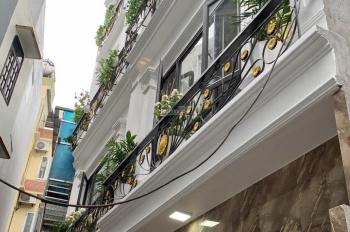 Bán nhà Đội Cấn - Ba Đình - thiết kế 5 tầng - sang trọng - full nội thất - LH 0975964416