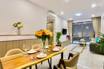 Cho thuê căn hộ River Gate, 3 phòng ngủ, view sông Bến Vân Đồn giá tốt. LH: 0909024895