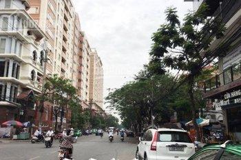 Bán nhà mặt phố Tây - Văn Cao - Vị trí siêu đẹp - Nhà mới xây 3 tầng hiện đại - LH: 0901565363