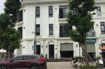 Cho thuê shophouse tại Vinhomes Green Bay Lương Thế Vinh căn góc 2 mặt tiền cực đẹp