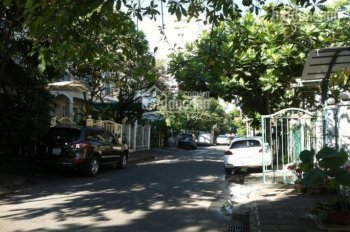 Bán gấp biệt thự Hưng Thái, Phú Mỹ Hưng, giá tốt nhất thị trường 7*18m, 16.5 tỷ. LH 0912.264.368