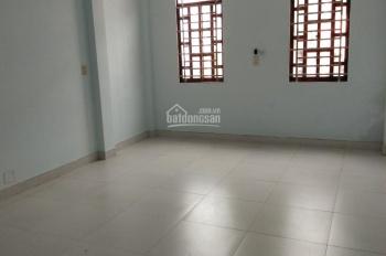 (19 tr/tháng) nhà mới gần Trần Não, Q. 2, 4 phòng ngủ, 2 lầu, sân nhỏ. 0902.383.789