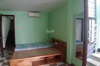 Cho thuê nhà đường Nguyễn Thị Minh Khai, Q. 3, (4x12m), 4 tầng, giá 15 tr/tháng