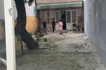 Bán nhà cấp 4 kiệt 275 ô tô vô được cách đường Trường Chinh 20m, DT: 137m2 nở hậu