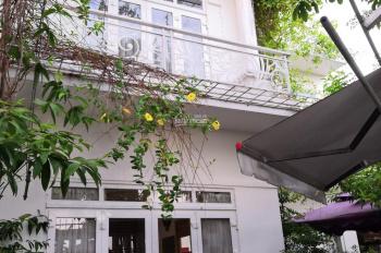 Bán Biệt Thự hẻm đường Đình Phong Phú, P.Tăng Nhơn Phú B, Q9, DT: 230m2, gía: 12 tỷ