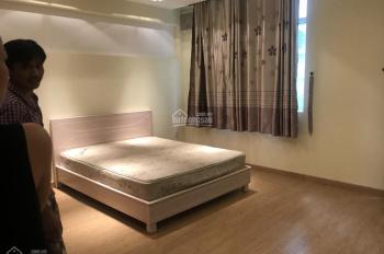 Cho thuê Villa Phường Thảo Điền Quận 2, DT 10x20m sân rộng, 2 lầu 5 phòng, giá 38 triệu 0937334693