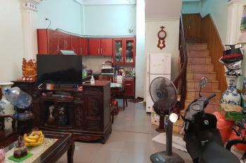 Chính chủ bán nhà 4 tầng, 1tum, DT 36m2, MT 4.5m, Nguyễn Văn Cừ, Gia Thụy, Long Biên, giá 4,2 tỷ