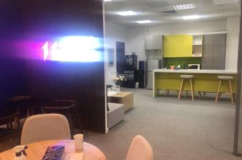 Cho thuê/nhượng gấp văn phòng 200m2 view đẹp giá tốt tại Golden Palace Mễ Trì. LH 0936118224