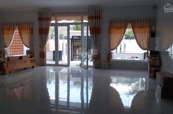 Bán căn nhà mới xây, rộng thênh thang, đẹp tuyệt vời tại Phú Tân, Bến Tre