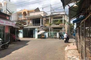 Cho thuê nhà phố 6m x 12m 1 trệt 1 lầu sân để ô tô trong nhà gần Nguyễn Duy Trinh, khúc cao tốc