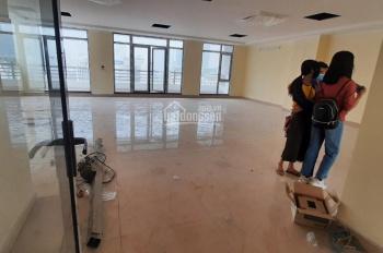 Cho thuê tòa văn phòng hiện đại thông sàn thang máy. DT 170m2 x 7 nổi + 1 hầm, MT 10m, giá 150tr/th