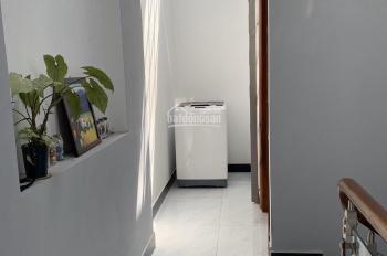 Bán nhà 1 trệt 2 lầu, tặng luôn nội thất, P. Phú Hữu, Q9