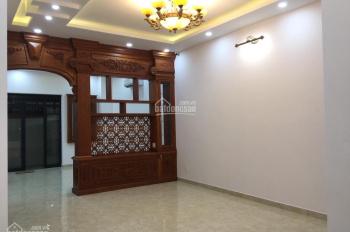 Bán biệt thự 10x20m đẹp đường Số 10 khu Him Lam Q7, sổ hồng, thang máy, giá 29.5 tỷ
